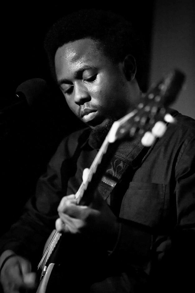 dubai singer guitarist