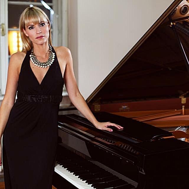 Jazz-Singer-Dubai
